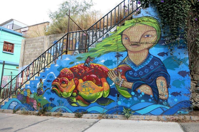 Valparaiso seafood street art