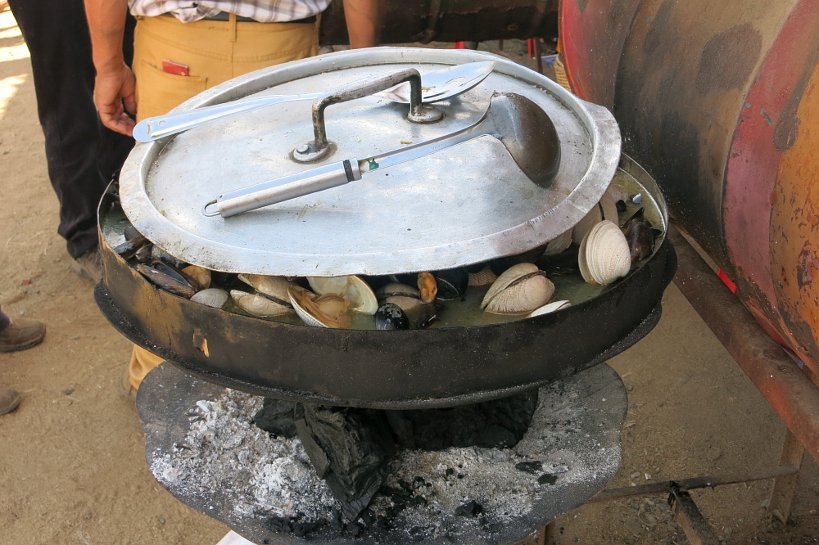 Local Festiva Talca_Authentic_Food_Quest_Clams_Mussels