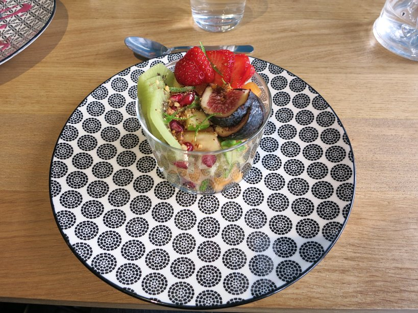 fruit salad at cinq lorette affordable restaurants in paris authentic food quest