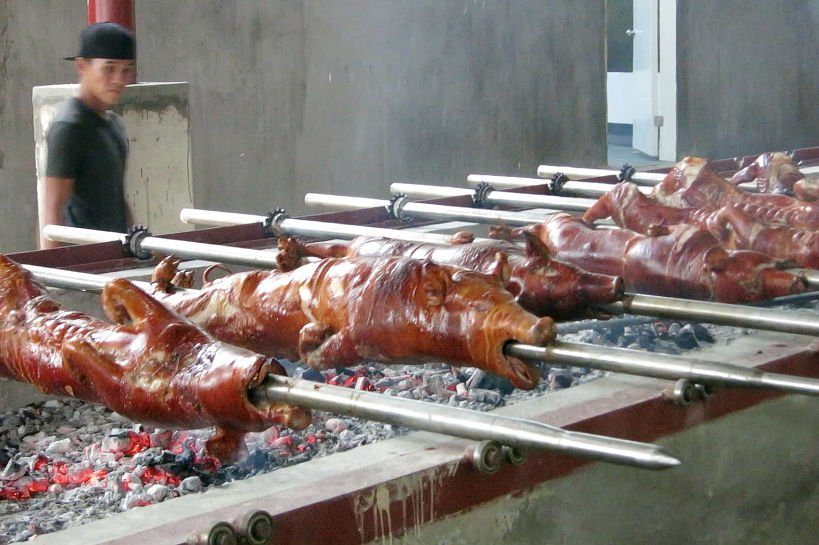 roasted pigs at ricos lechon authentic food quest