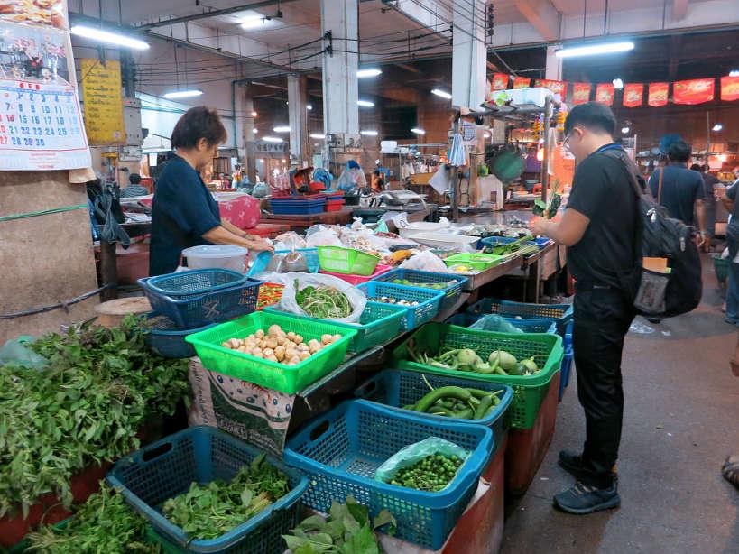 Bang Rak Market Inside Bangkok Markets_Authentic food quest