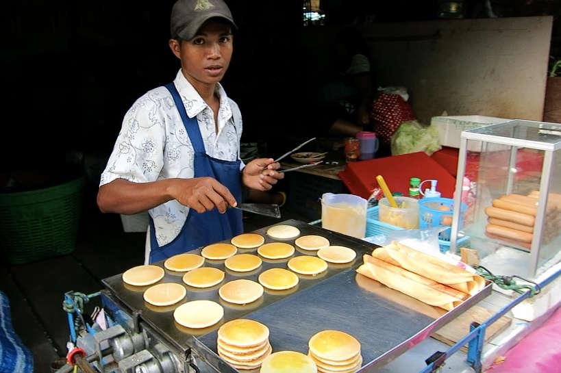 Khlong Toei food Vendor Bangkok Markets Authentic Food Quest