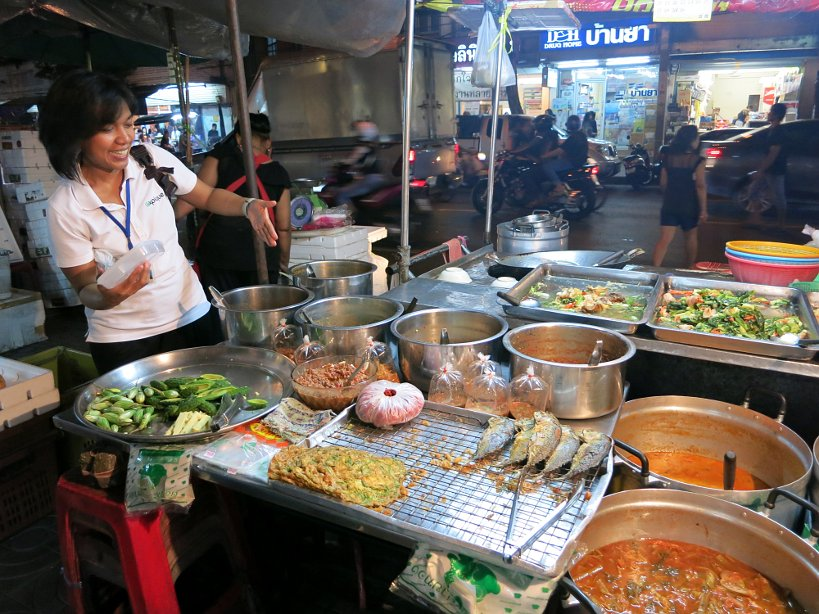 Chili stop at Bangkok at night with expique tours by authentic food quest