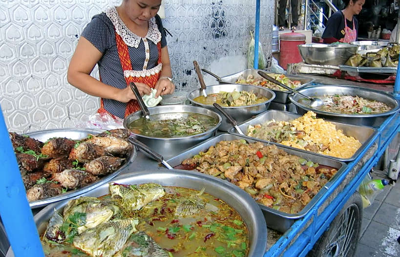 Street food Rama IV with Bangkok Food by Authentic Food Quest