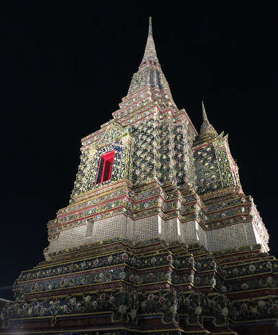 wat pho bangkok at night authentic food quest