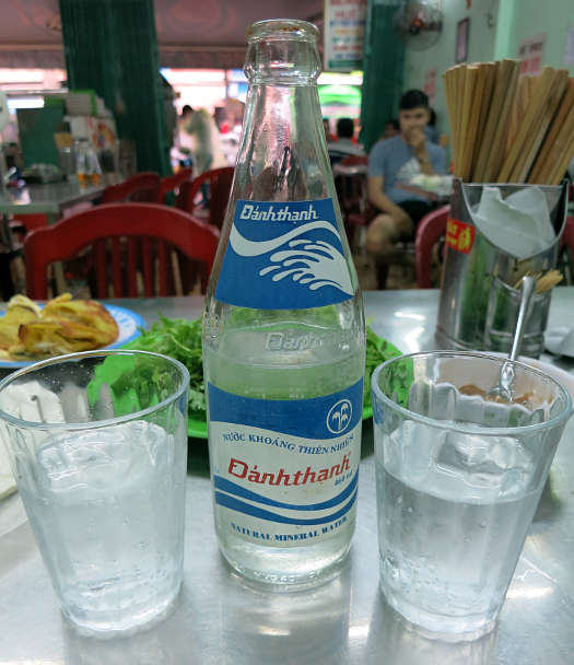 Danh thanh Carbonated mineral Drinking water Vietnam Southeast Asia Authentic Food Quest