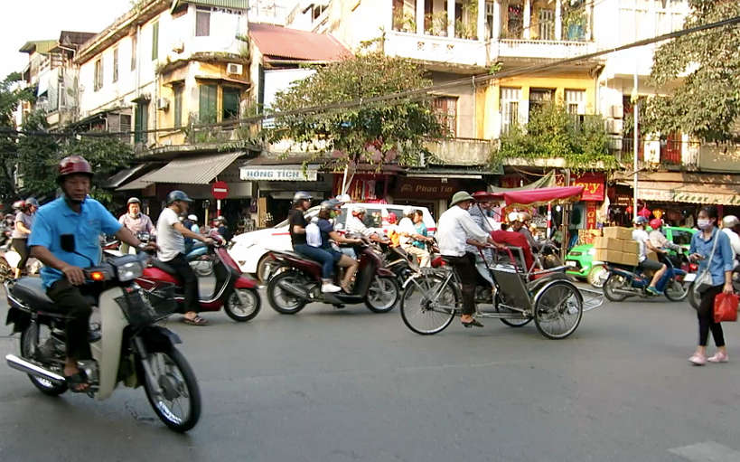 Motor bikes Hanoi for Food in Vietnam by Authentic food quest