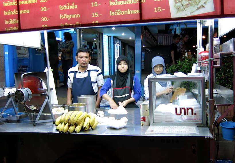 Thai Roti Vendor Popular Thai Desserts Authentic Food Quest