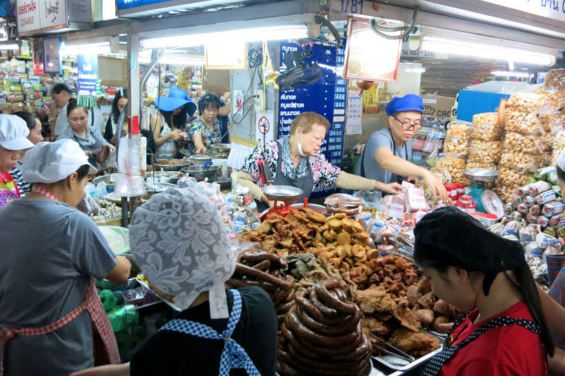 Warorot Market visit with Aroy Aroy cooking school