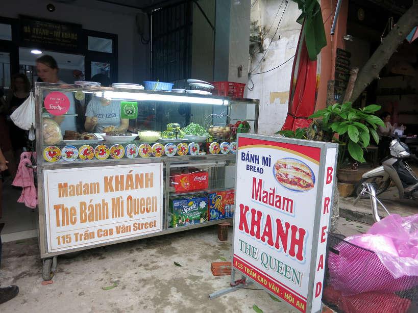 MmeKhanhOutside_VietnameseSandwich_AuthenticFoodQuest