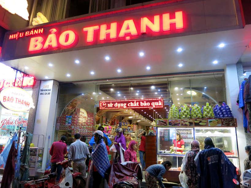 BakeryBaoThanh_VietnameseDesserts_AuthenticFoodQuest
