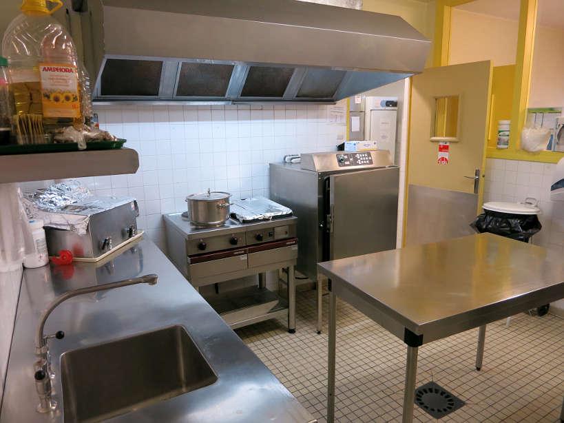 Kitchen_SoupeAuxCailloux_ParisBakingClass_AuthenticFoodQuest