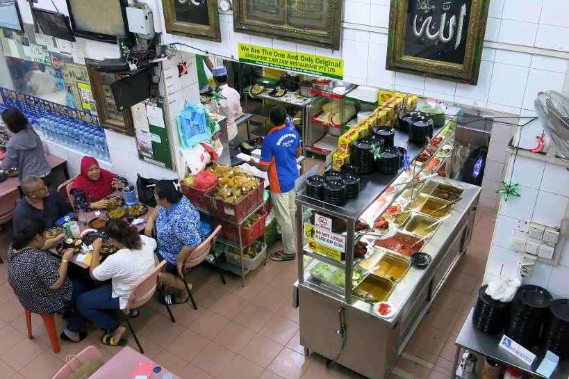 Zam zam for Food in Singapore by Authentic Food Quest. This is one of the best affordable restaurants in Singapore. For what to eat in Singapore, Zam Zam is the place to go.