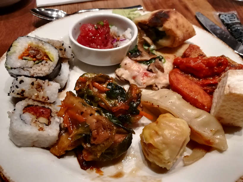 How To Eat Like A Local At The Best Off The Strip Buffet In