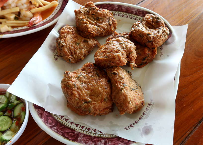 Kung Phao Mae Thong Chup restuarant Fish Cakes on Ayutthaya Day Tour by Authentic Food Quest