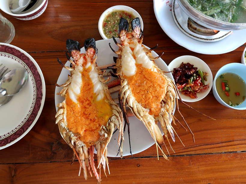 What to Do on Your Ayutthaya Day Tour: Amazing Giant Shrimp