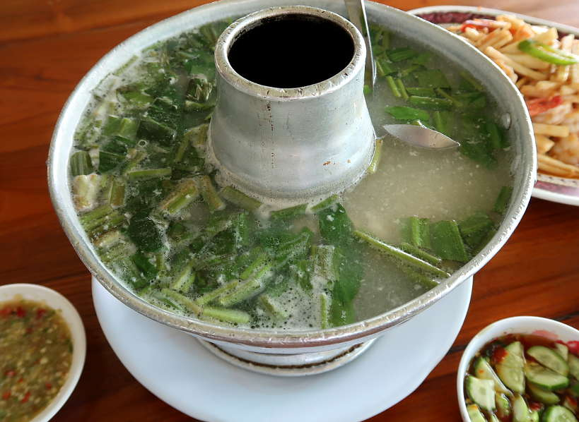 Kung Phao Mae Thong Chup Tom Yum Fish Soup on Ayutthaya Day Tour by Authentic Food Quest