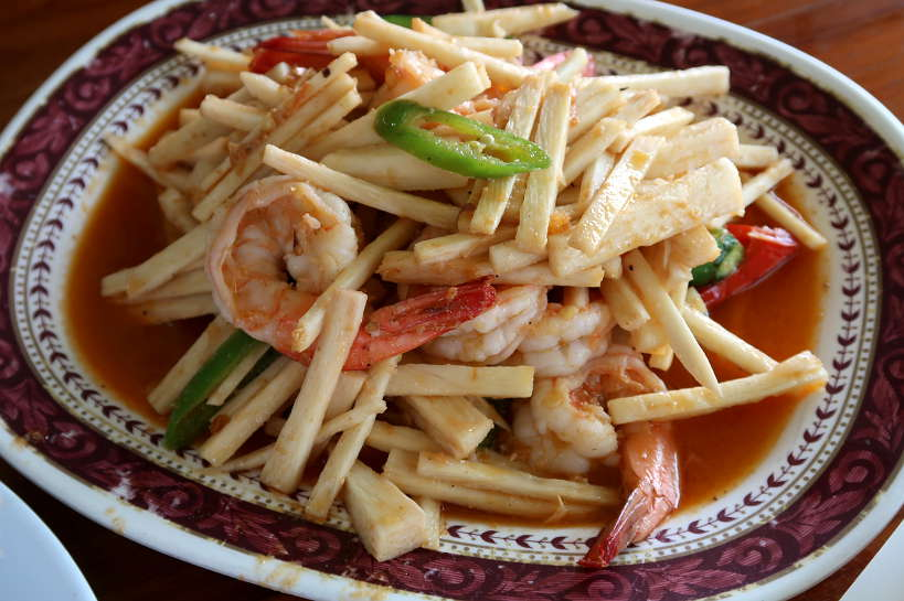 Kung Phao Mae Thong Chup_Young Coconut Salad with Shrimp_AyutthayaDayTour_AuthenticFoodQuest