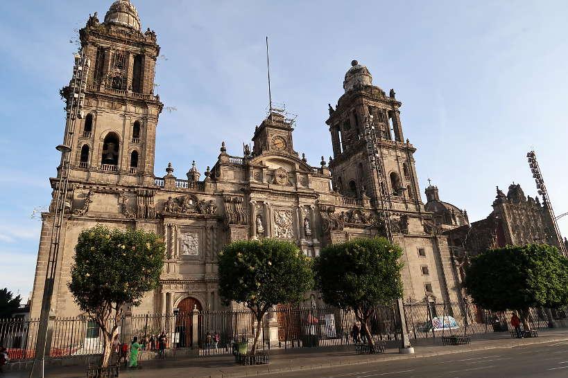 MetropolitanCathedralMexicoCity_StreetFoodTourStart_AuthenticFoodQuest