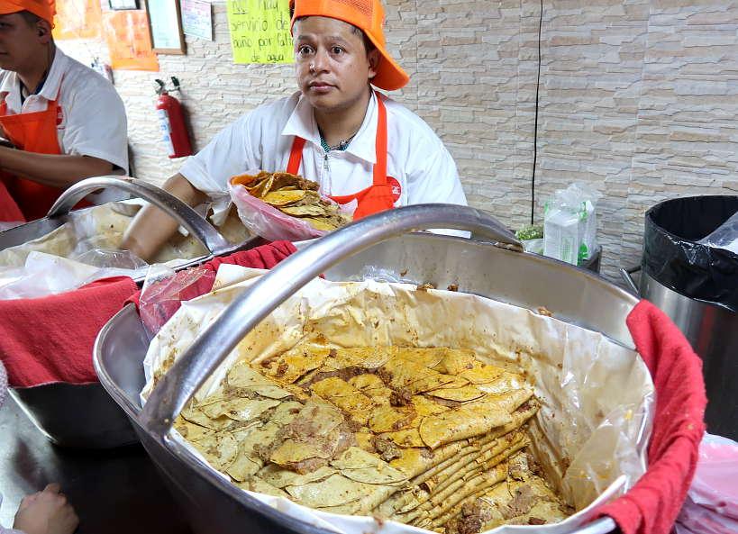 Tacos de Canastas Los Especiales best tacos in Mexico City by AuthenticFoodQuest