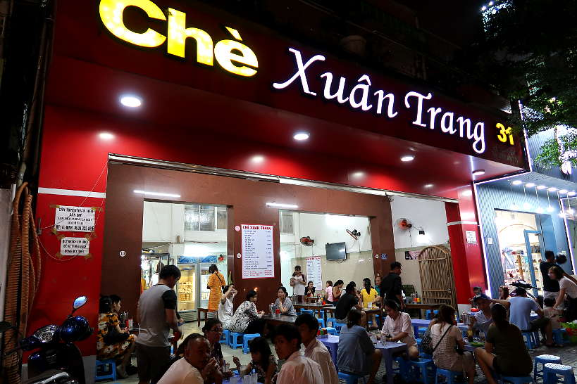 CheXuanTrang vietnamese desserts store in Da Nang Vietnam by AuthenticFoodQuest