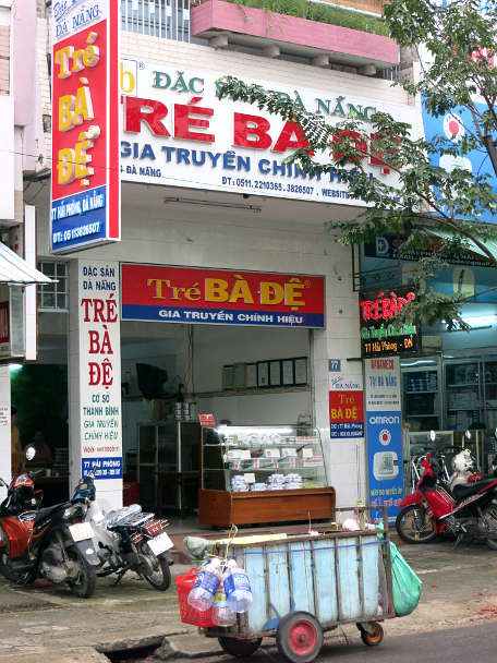 Tre Ba De Store in Danang by AuthenticFoodQuest