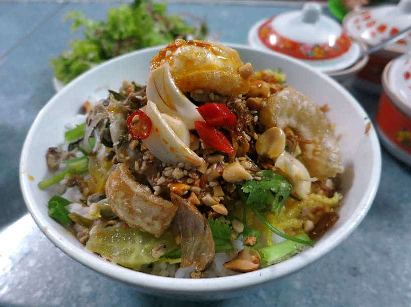 Bun Hen spicy baby clams noodles for Hue Food by Authentic Food Quest