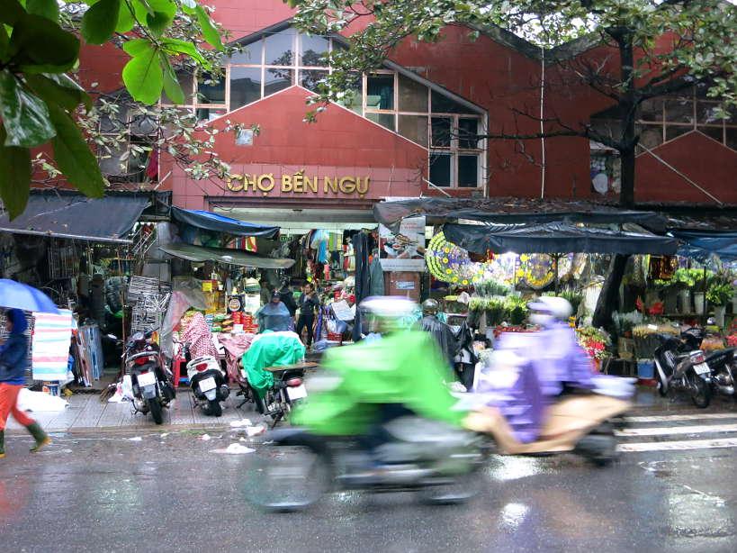 Cho Ben Ngu Hue Market by Authentic Food Quest
