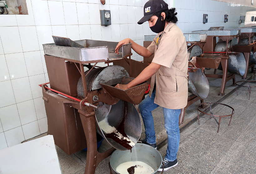 Making Oaxaca Chocolate at Guelaguetza by AuthenticFoodQuest