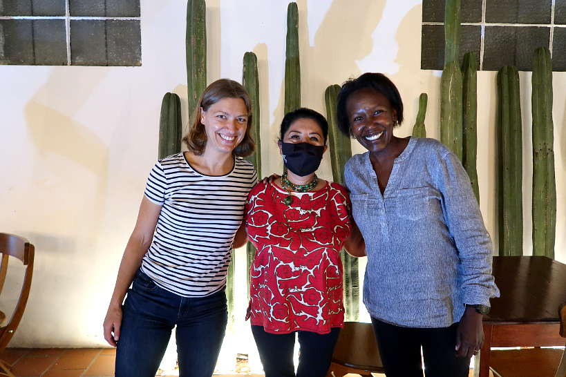 Las Quince Letras Claire and Rosemary with Celia Florian by Authentic Food Quest