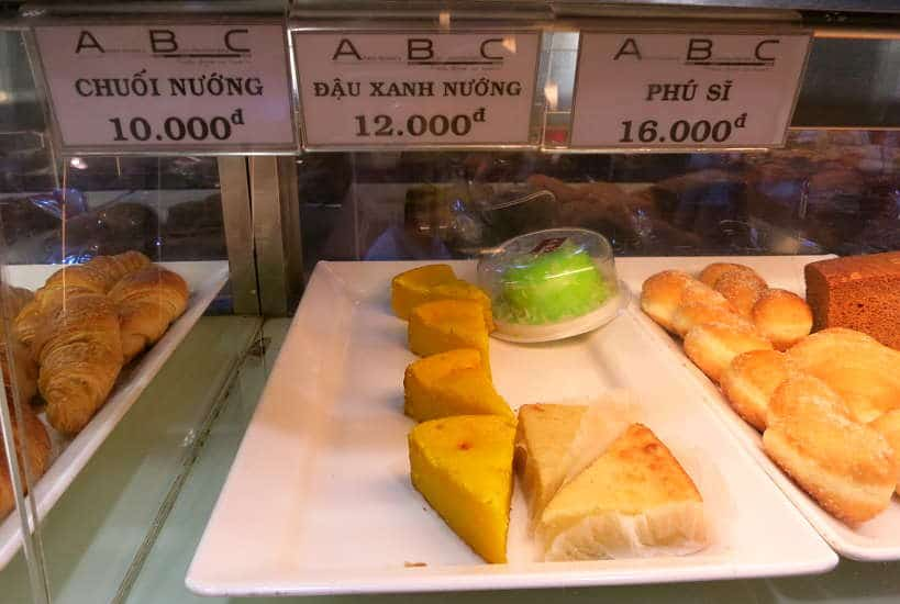 ABC Bakert dau xanh nuong mung bean cakes best desserts in Saigon by Authentic Food Quest