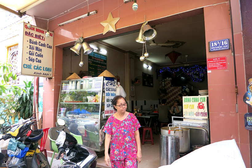 Banh Canh Cua Crab noodle soup food in Saigon by Authentic Food Quest