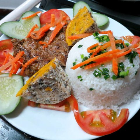 com tam suong nuong broken rice recipe with pork chop by Authentic food quest