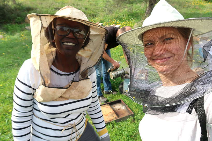 Rosemary and Claire leanring about Cretan honey and beekeeping by Authentic Food Quest