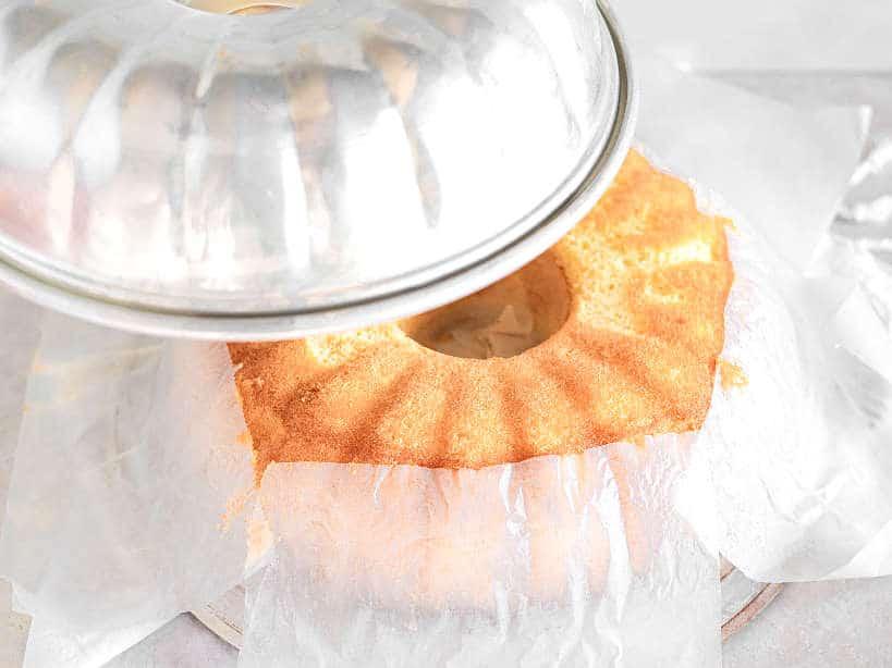 Unmold Pão de Ló by Authentic Food Quest